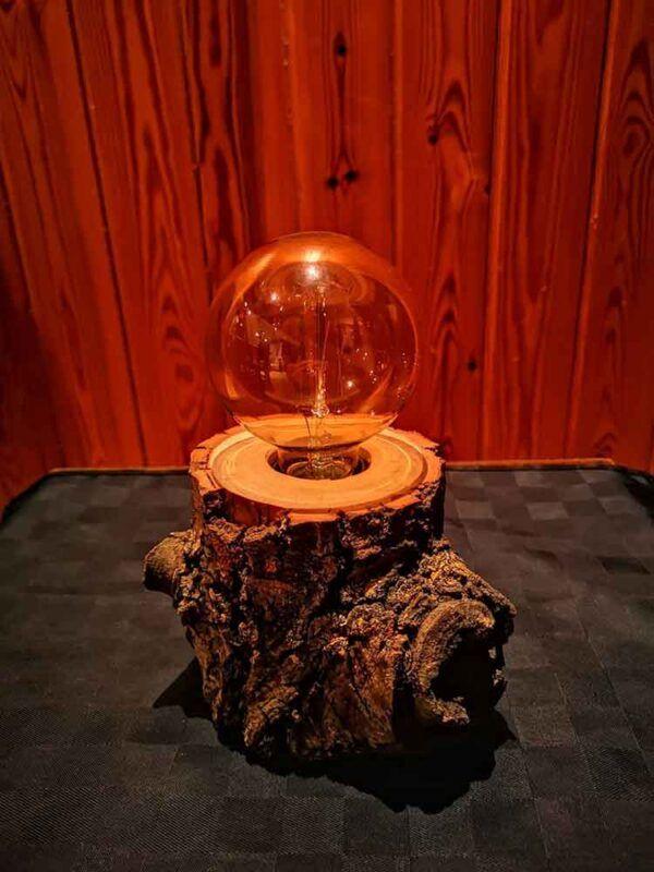 Lámpara tronco de madera