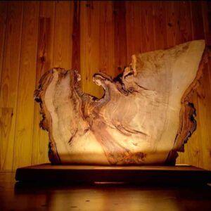 Lampara rustica original de madera veteada