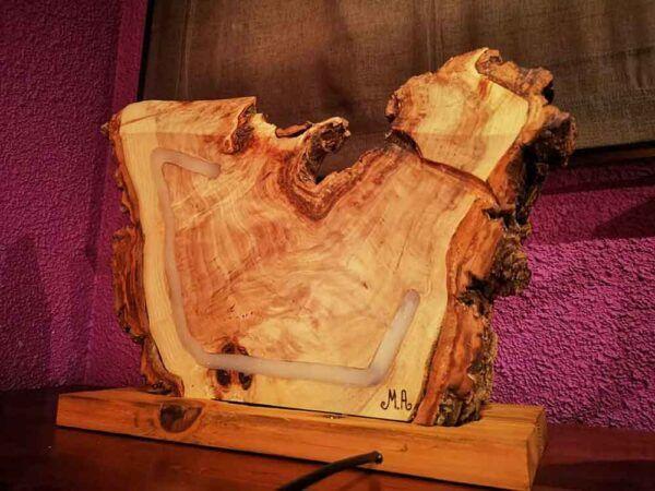 Lampara rustica de madera veteada