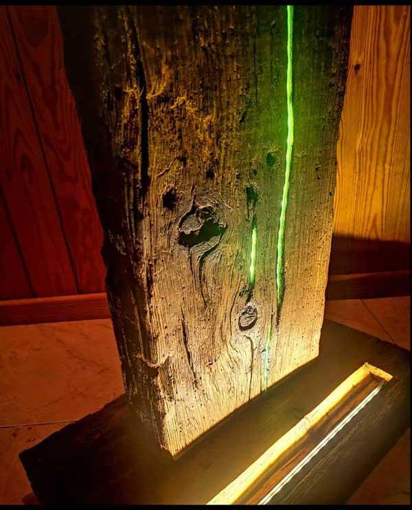Lámpara rústica de mesa de madera