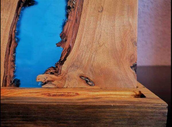 Lampara de mesa madera y resina