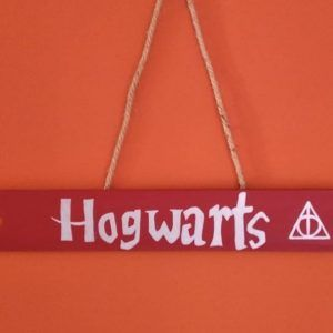 flecha de madera Hogwarts